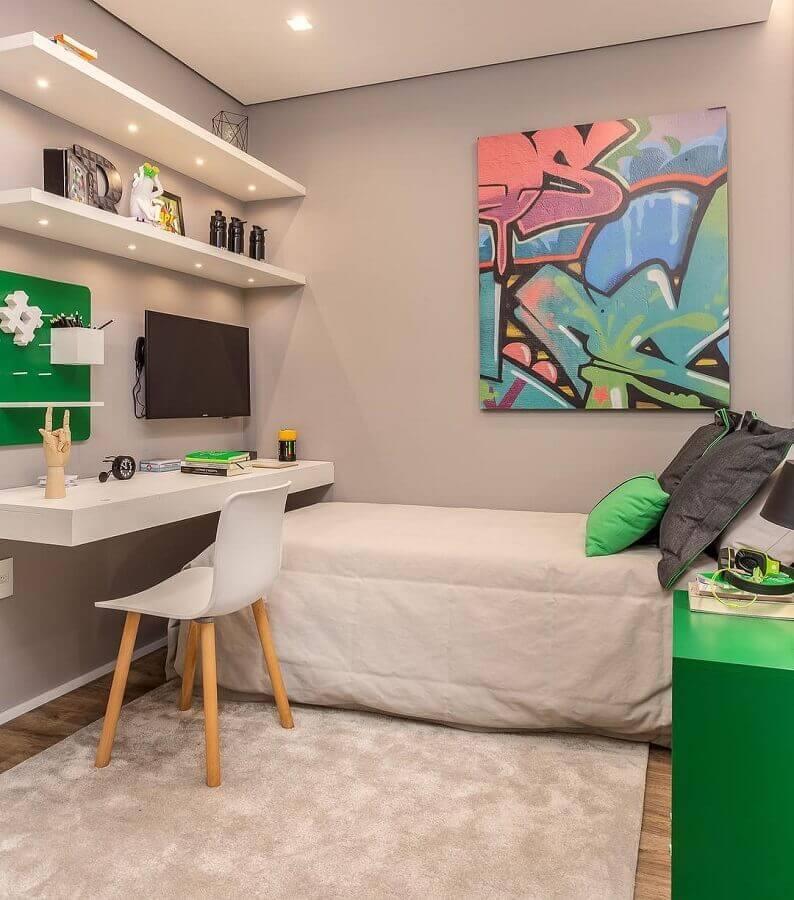 cores para quarto masculino cinza e branco com detalhes em verde  Foto Claudia Albertini Arquitetura