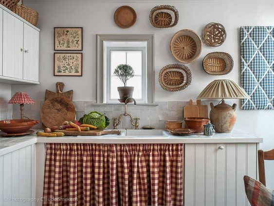 Cortina para pia na cozinha branca