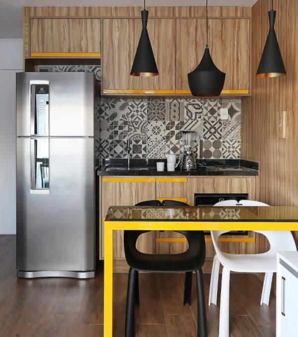 Cozinha americana preto e amarelo