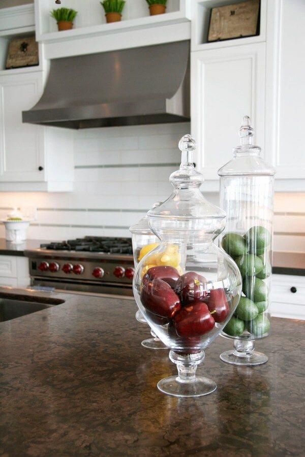 Cozinha com cores de granito marrom