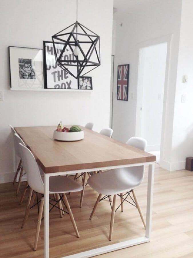 decoração clean com mesa de jantar industrial com estrutura branca  Foto Pinterest