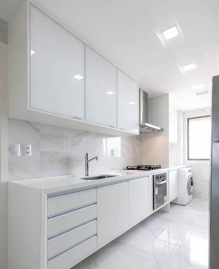decoração clean para cozinha planejada de apartamento toda branca Foto Casa Decora