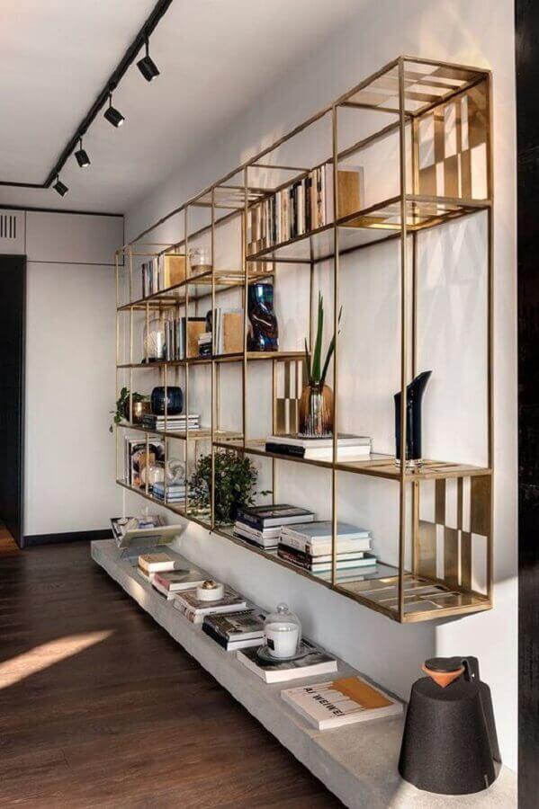 decoração com estante de nichos suspensa de aço Foto Pinterest