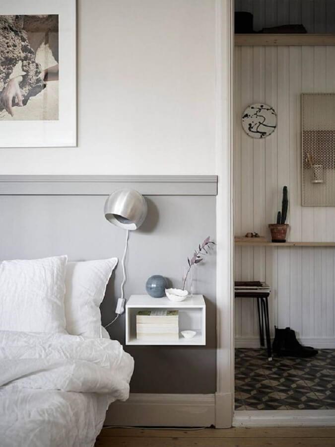 decoração com luminária para leitura quarto cinza e branco Foto Home Fashion Trend