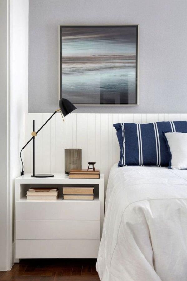 decoração de quarto branco planejado com luminária para leitura noturna Foto Casa de Valentina