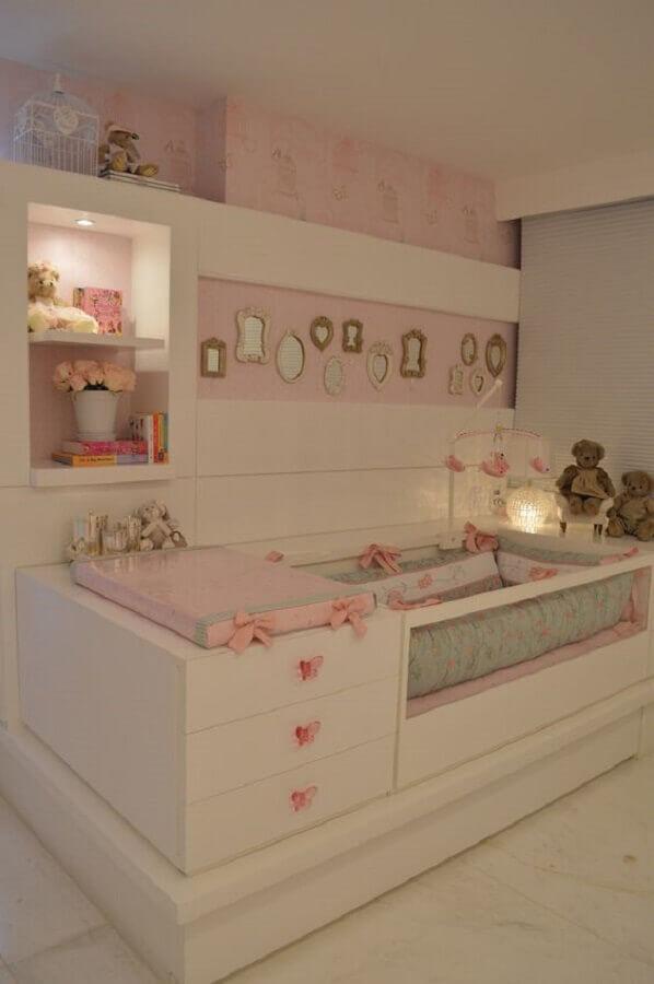 decoração de quarto de bebê sob medida branco e rosa Foto Pinterest