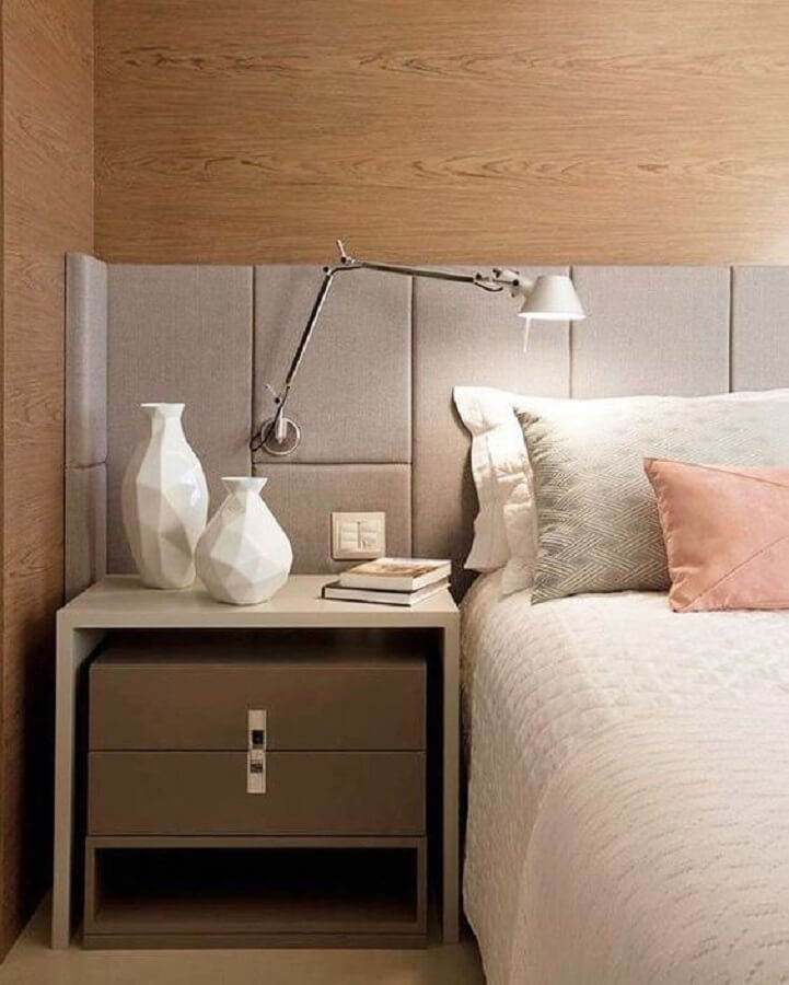 decoração de quarto moderno com luminária de cabeceira para leitura Foto Casa Très Chic