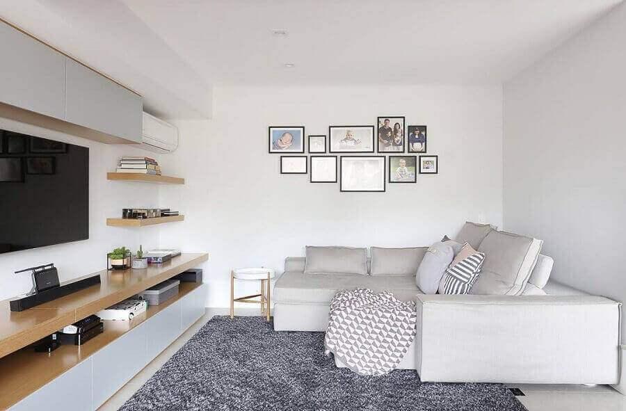 decoração de sala com quadros para parede branca Foto Quattrino Arquitetura