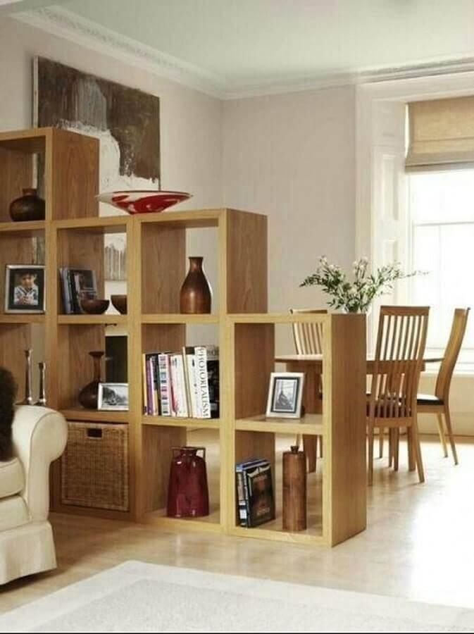 decoração de sala integrada com estante de nichos vazados Foto Simples Decoração