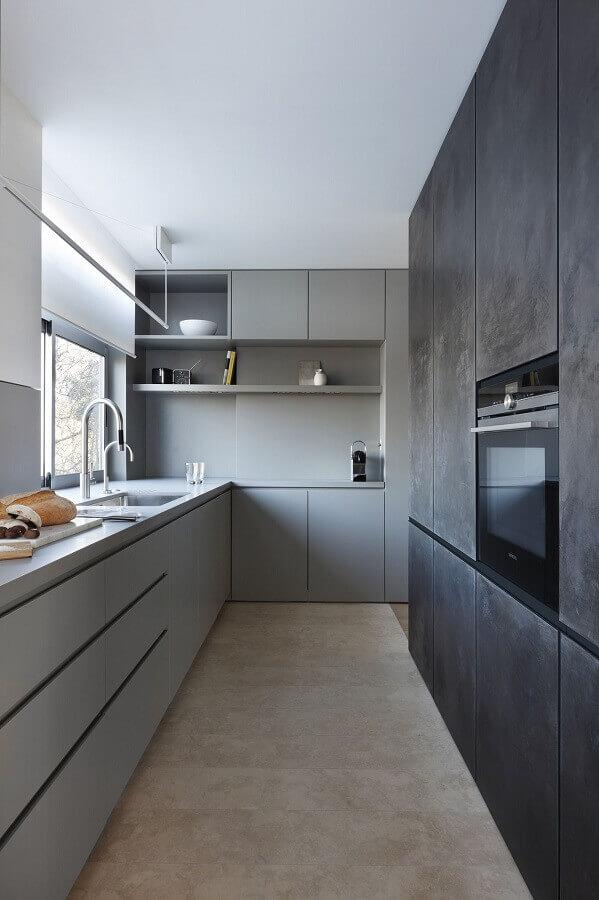 decoração moderna com cozinha planejada de apartamento cinza  Foto Futurist Architecture