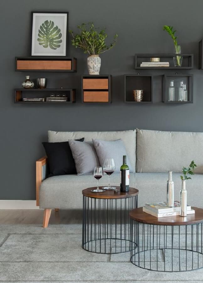 decoração moderna para sala com mesa de centro industrial redonda  Foto Pinterest