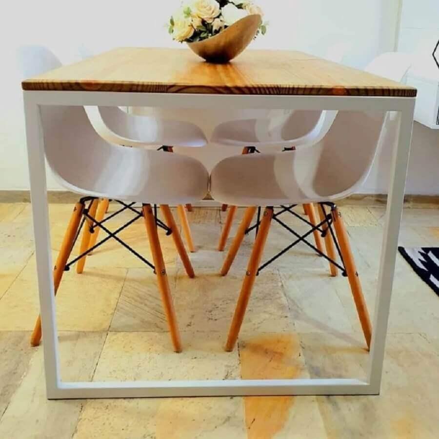 decoração sala de jantar com mesa estilo industrial com estrutura branca  Foto Pinterest