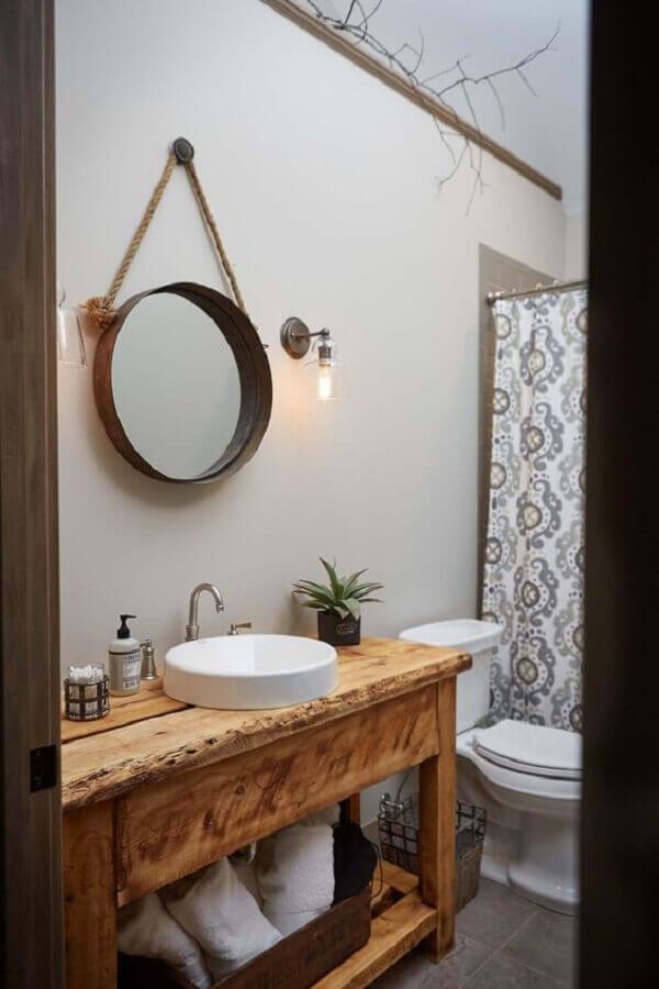 decoração simples com espelho redondo para banheiro com alça de corda Foto One Kindesign