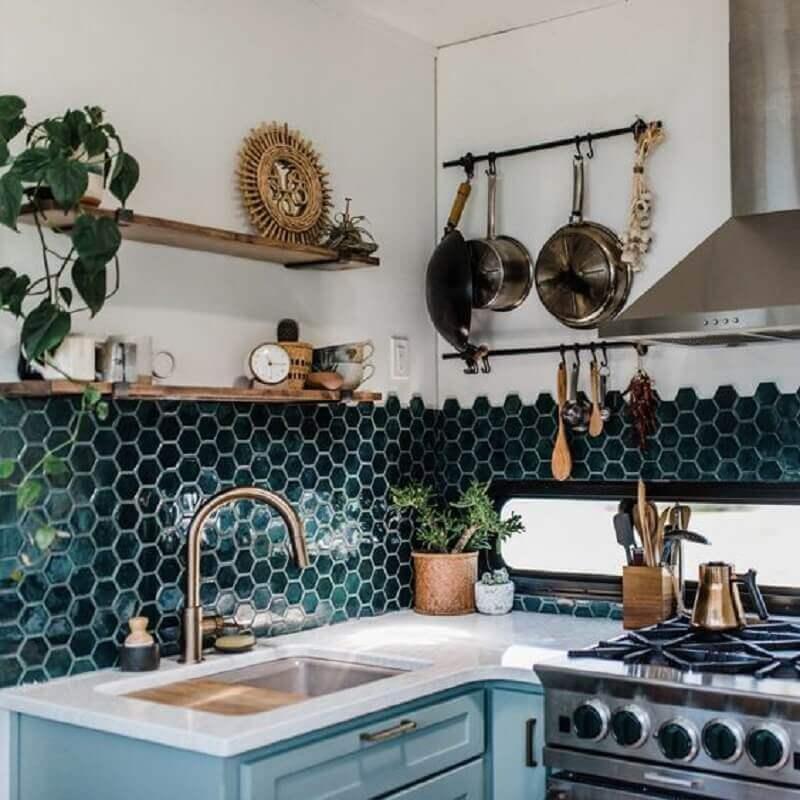 decoração simples com revestimento hexagonal cozinha de canto  Foto Pinterest