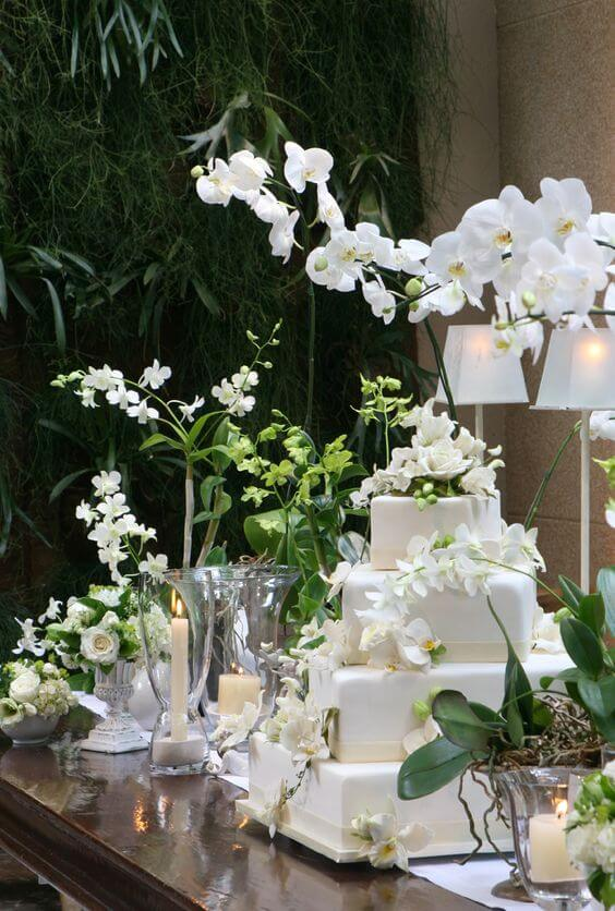 Festa decorada com orquídea branca