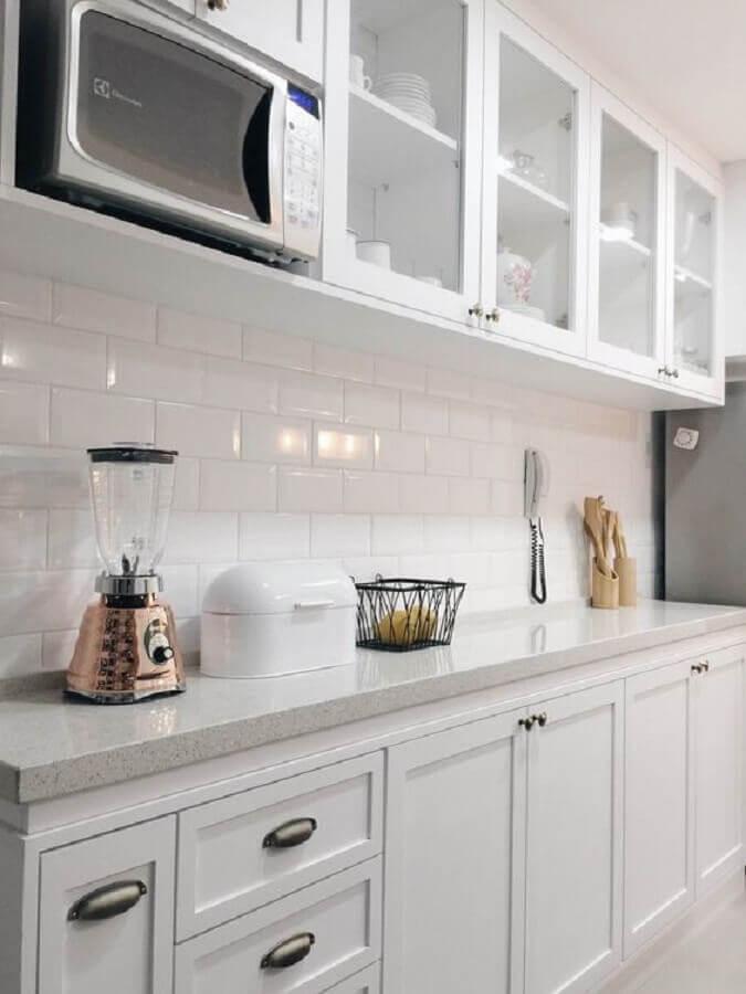 design clássico para armário de cozinha sob medida branca Foto Pinterest