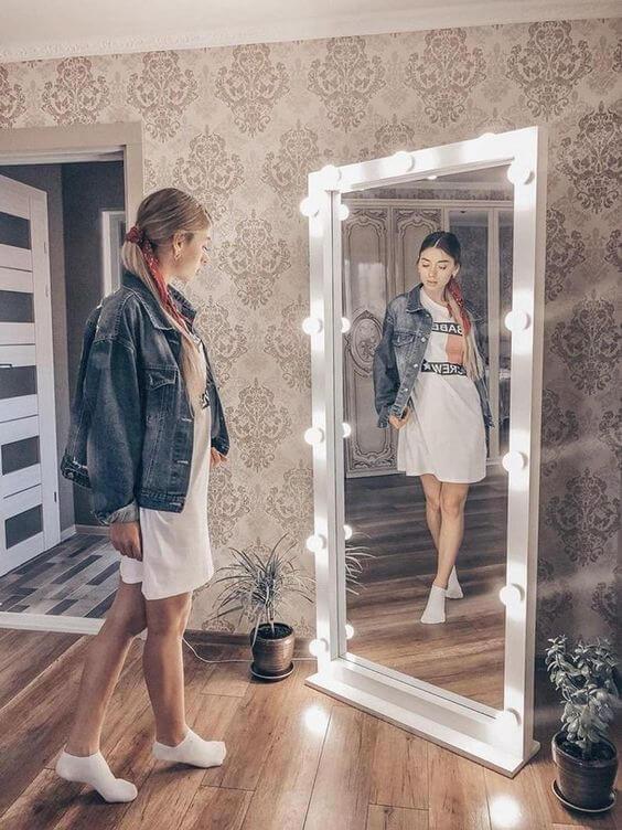 Saiba tudo sobre o espelho camarim de chão para usar na sua decoração moderna e iluminada