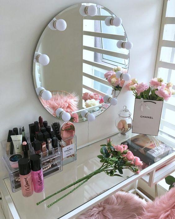Penteadeira com espelho camarim pequeno