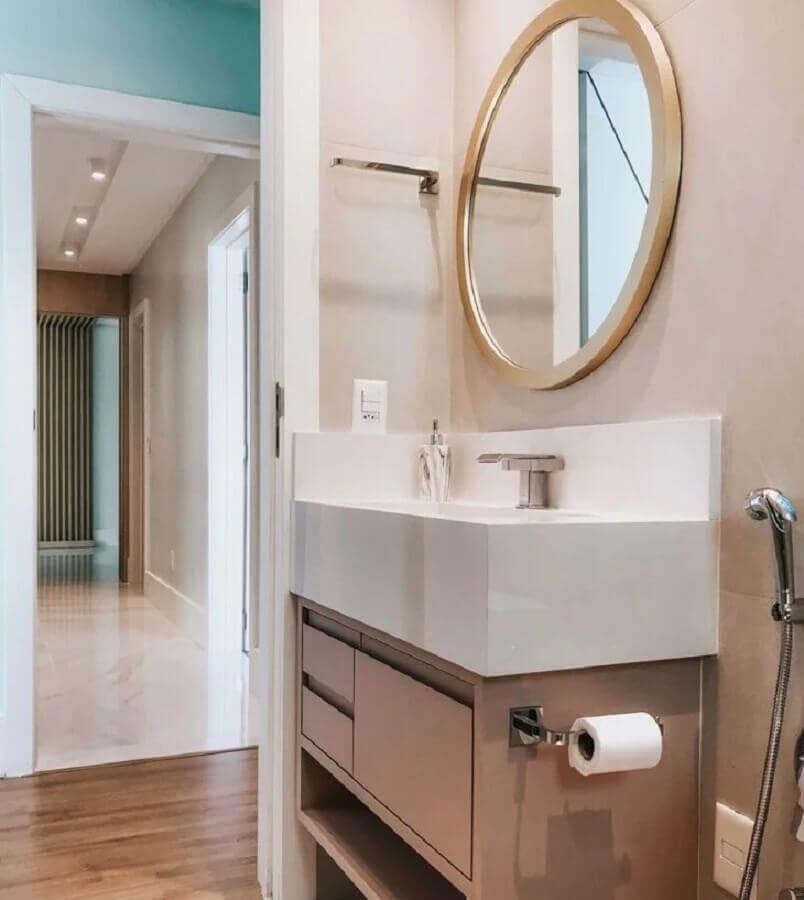 espelho redondo para banheiro com moldura de madeira Foto Camila Paganelli Arquitetura