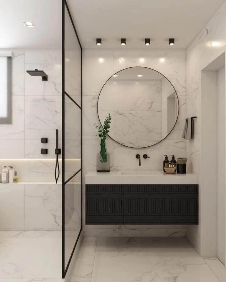 espelho redondo para banheiro moderno preto e branco Foto Carolina Druck