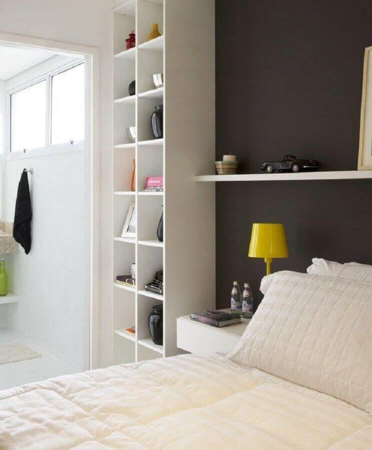 estante de nichos para quarto de casal branco e cinza Foto Casa de Valentina