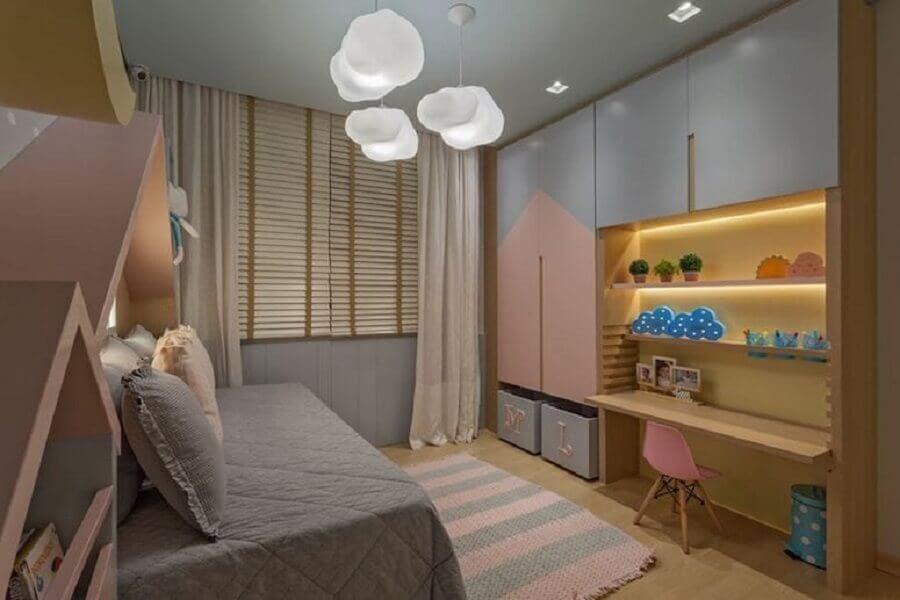 luminária nuvem para decoração de quarto infantil completo planejado Foto Henrique Queiroga