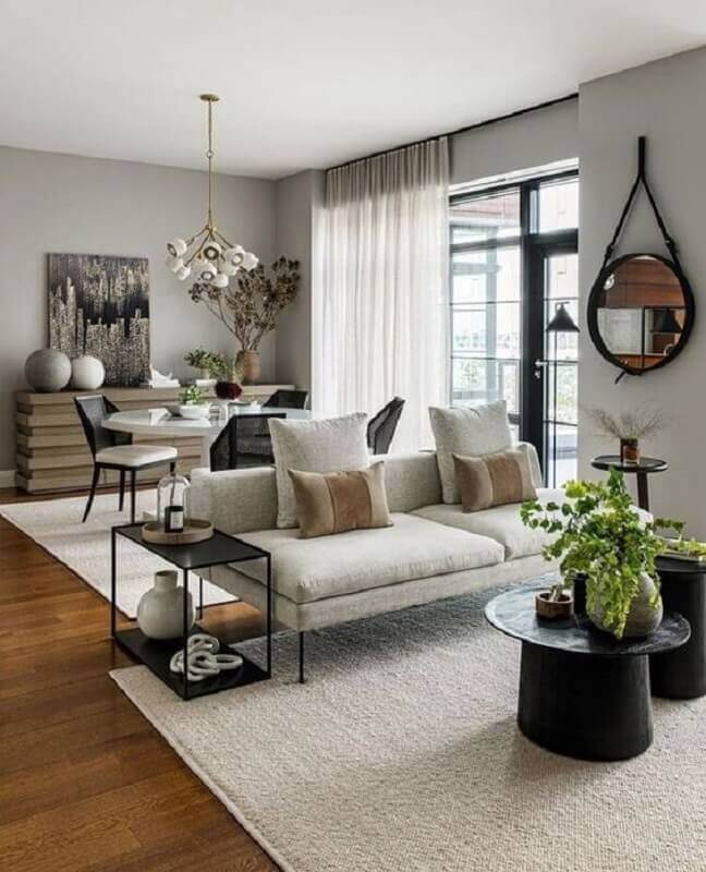 mesa lateral industrial para sala de estar decorada com sofá sem braço  Foto Pinterest