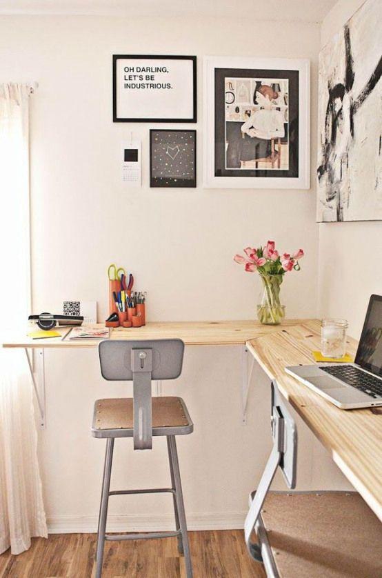 Mesa de canto para computador de madeira