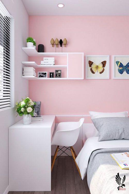 Mesa para computador pequena no quarto feminino