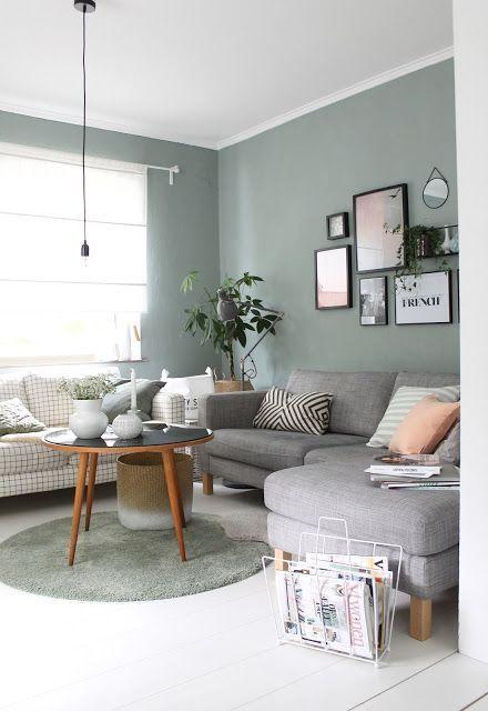 Mesa pé palito com sofá e chaise