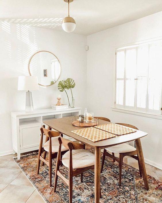 Mesa pé palito de madeira