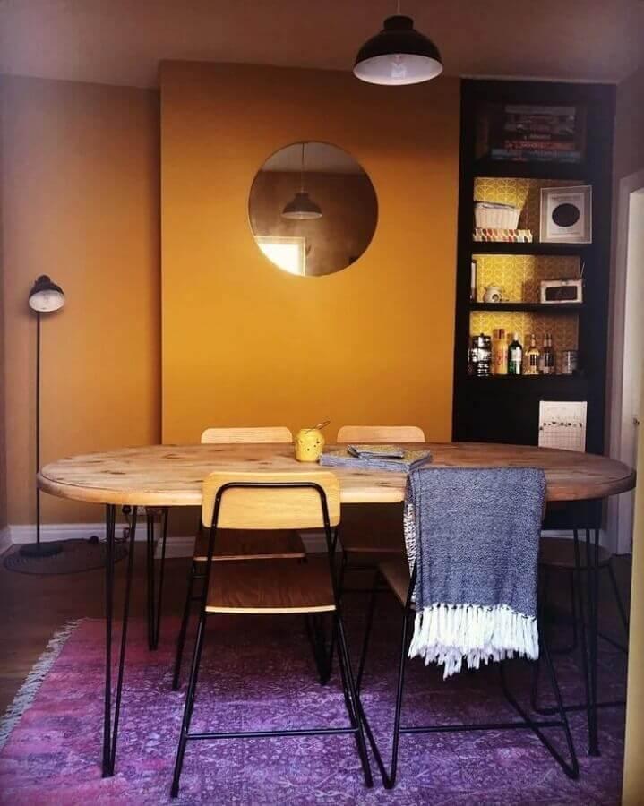 modelo de mesa de jantar industrial oval Foto Apartment Therapy