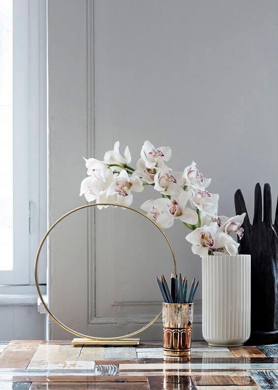 Use a orquídea branca para compor lindas decorações