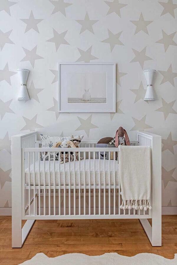 papel de parede branco com estrelas para decoração de quarto de bebê Foto Houzz