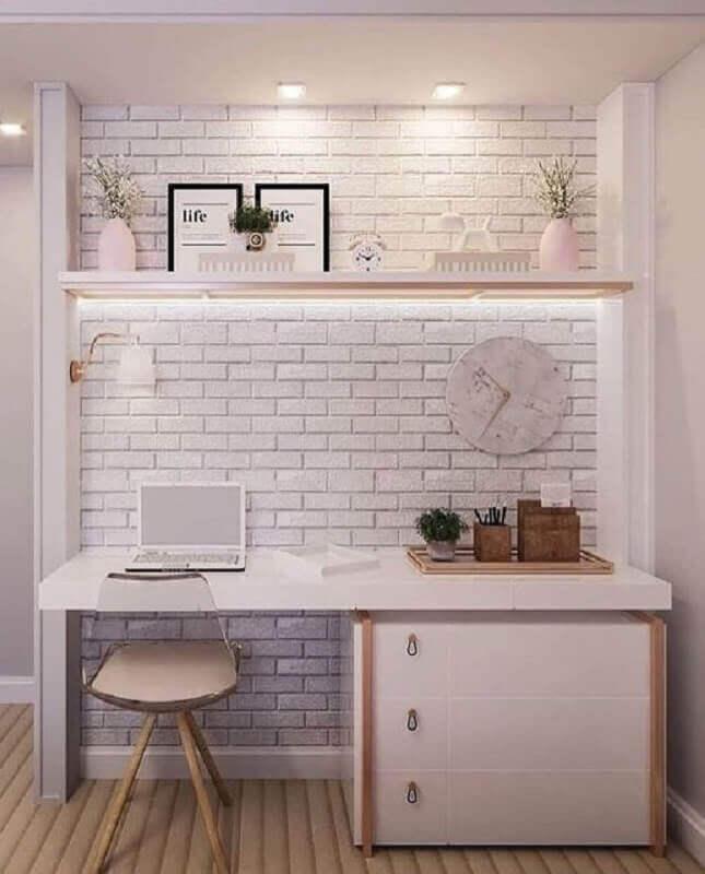 parede de tijolinho a vista branco para decoração de home office Foto Pinterest