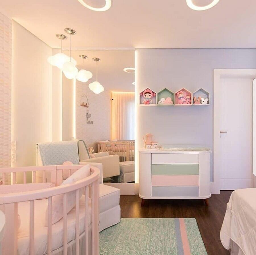 quarto de bebê decorado com paleta de cores candy colors Foto Pinterest