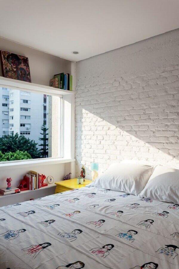 quarto simples decorado com revestimento tijolinho branco Foto Pinterest