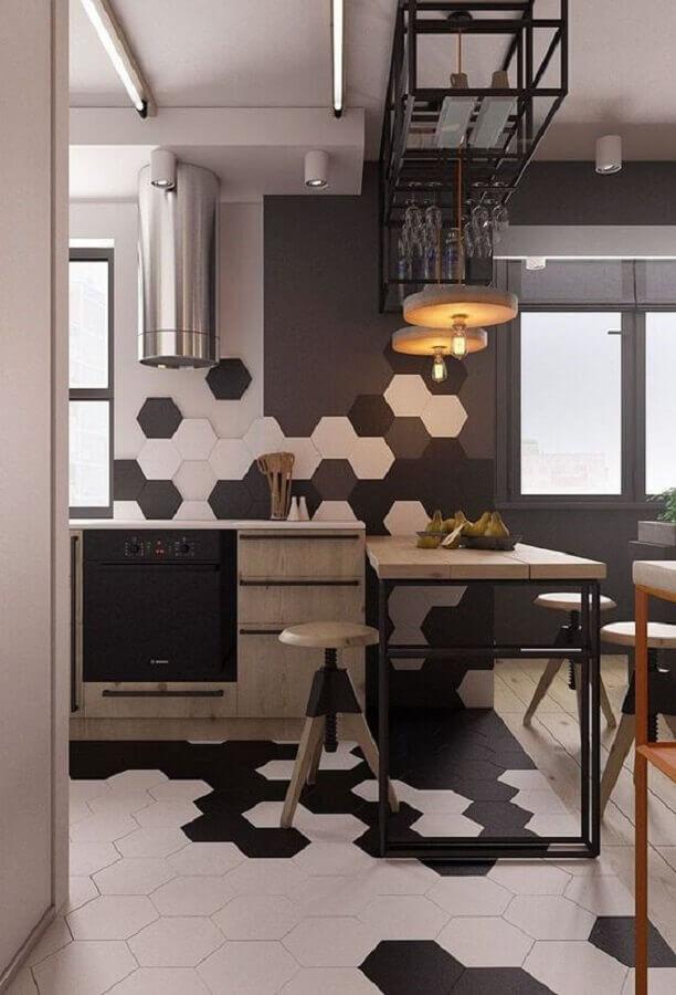 revestimento hexagonal branco e  preto para parede e piso em cozinha moderna  Foto Pinterest