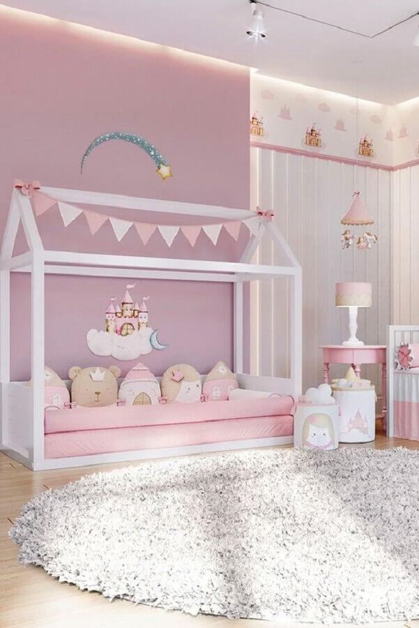 rosa candy colors para quarto de menina com cama casinha Foto Grão de Gente