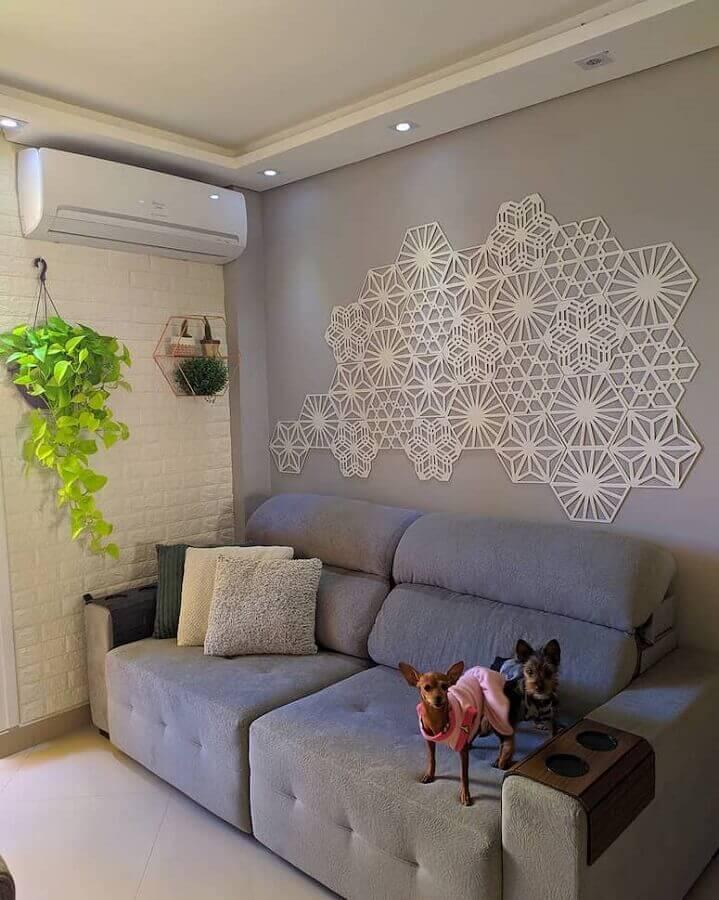 sala cinza simples decorada com parede de tijolinho branco Foto Pinterestsala cinza simples decorada com parede de tijolinho branco Foto Pinterest