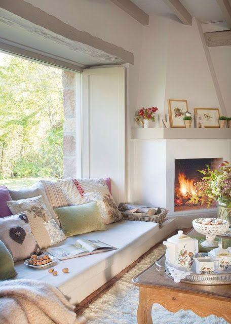 Sala confortável com lareira