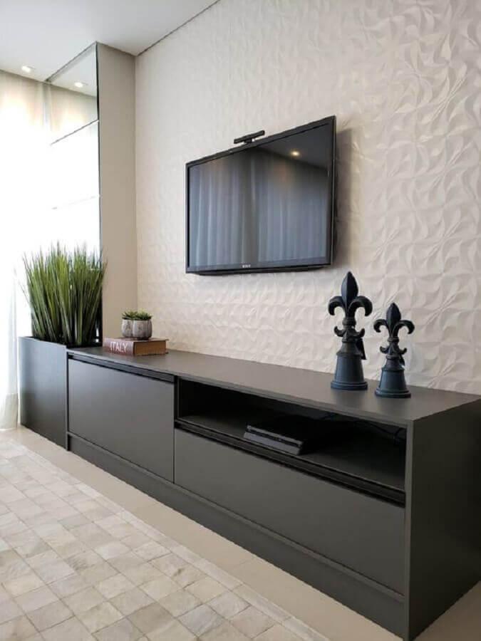 sala de TV decorada com parede branca 3d Foto Ge Mota