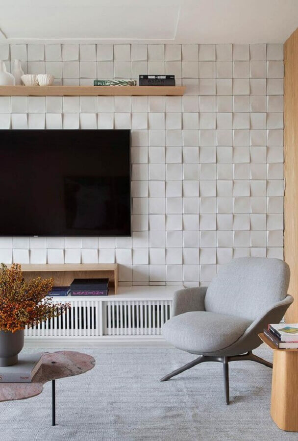 sala de TV moderna decorada com parede branca 3d Foto Casa de Valentina