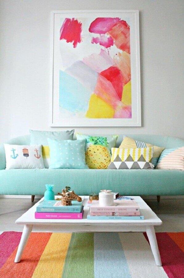 sala de estar colorida decorada com paleta candy colors Foto Pinterest