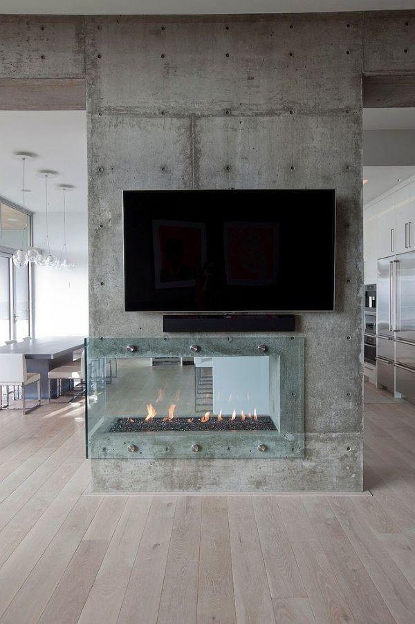 Sala de TV com lareira de canto