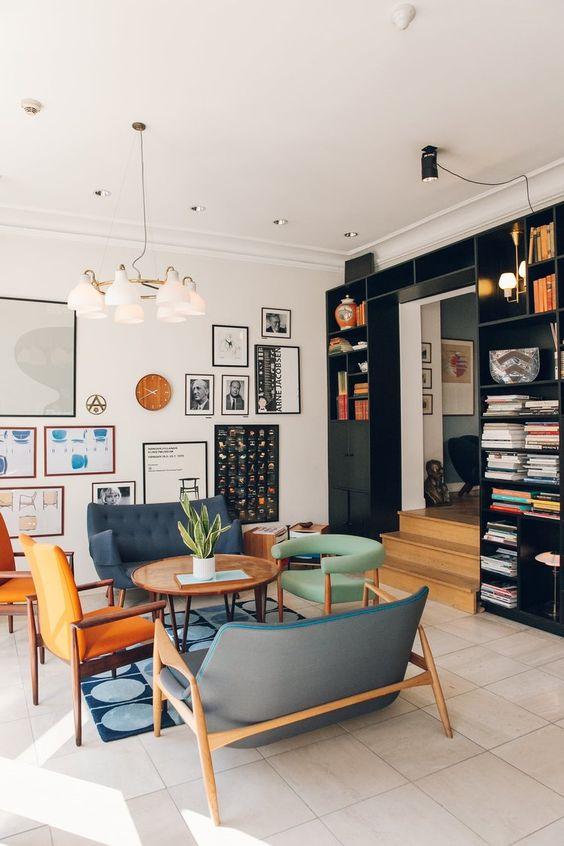 Móveis para sala retrô bem decorada