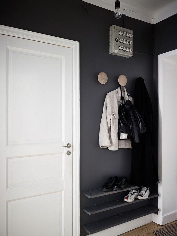 Sapateira de porta de entrada