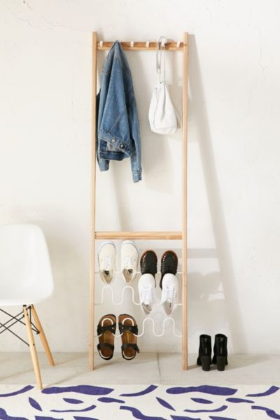 Sapateira de porta de madeira