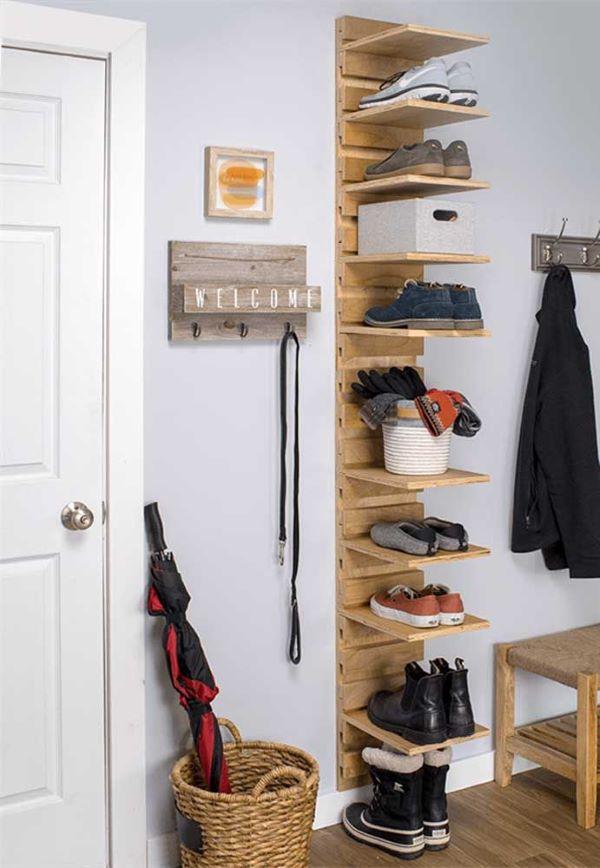 Sapateira de porta vertical de madeira