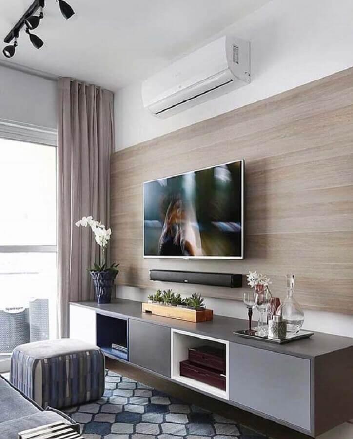 suporte para TV na parede de sala com rack cinza suspenso Foto Pinterest